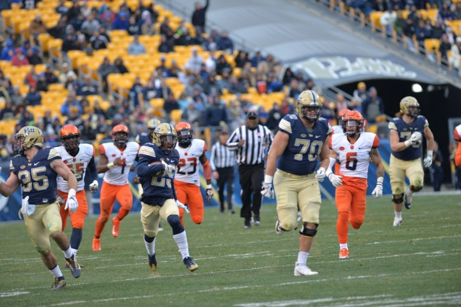 Pitt redshirt freshman Maurice Ffrench (25) scored the second touchdown of his career on a 77-yard run against Syracuse. Steve Rotstein | Contributing Editor