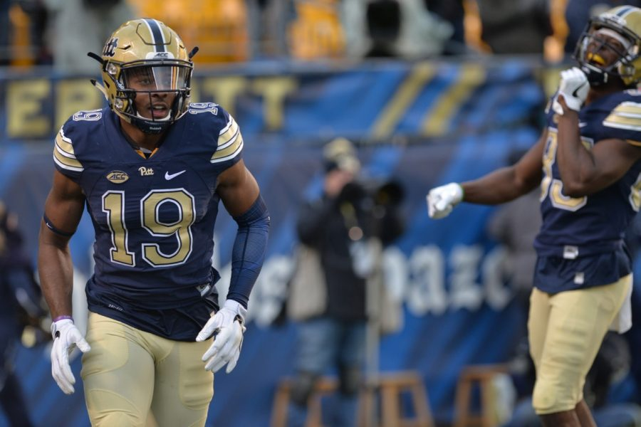 Pitt senior WR Dontez Ford (19) runs back to the sideline after a 79-yard TD catch against his former school. Steve Rotstein | Contributing Editor
