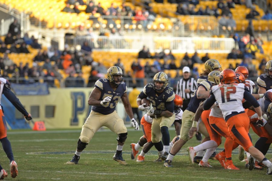 Pitt RB James Conner (24) tallied 115 yards and two rushing touchdowns along with 45 receiving yards and another score through the air against Syracuse. Steve Rotstein | Contributing Editor