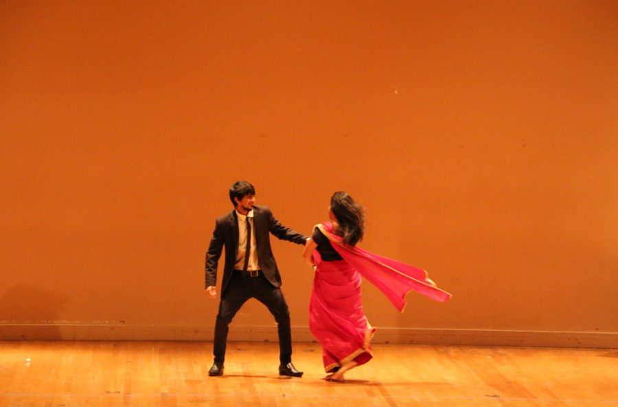 ANKUR-IGSA%2C+Pitt%27s+Indian+Graduate+Student+Association%2C+hosted+the+Diwali+celebration%2C+which+included+performances+showing+traditional+and+contemporary+Indian+song+and+dance.+Rebecca+Peters+%7C+Staff+Writer%0A