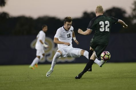 Pitt men's soccer squashed by Syracuse in season-ending 4-0 loss
