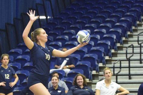 Volleyball splits weekend matches at home against Wake Forest and Duke