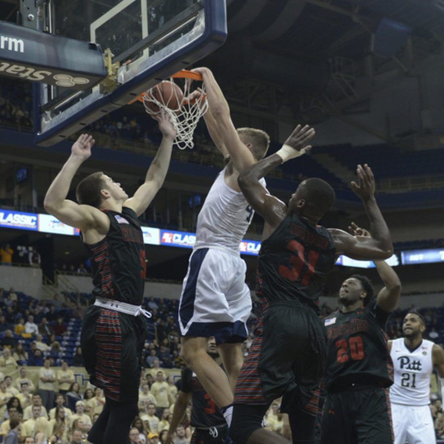 Pitt forward Ryan Luther started his first career game.  Wenhao Wu | Senior Staff Photographer