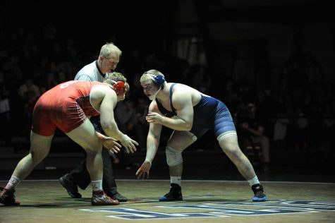 Wrestlers edge out Edinboro in final matches, 20-16