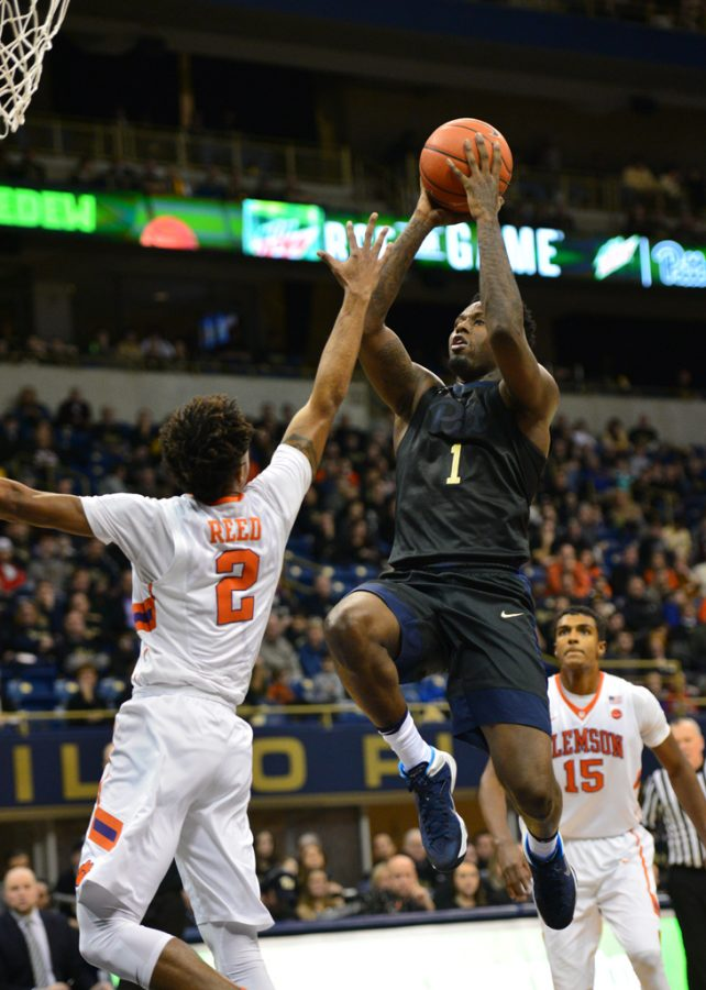 Pitt+senior+Jamel+Artis+tallied+16+points+Saturday+afternoon+in+the+Panthers%27+67-60+loss+against+Clemson.+Jeff+Ahearn+%7C+Senior+Staff+Photographer