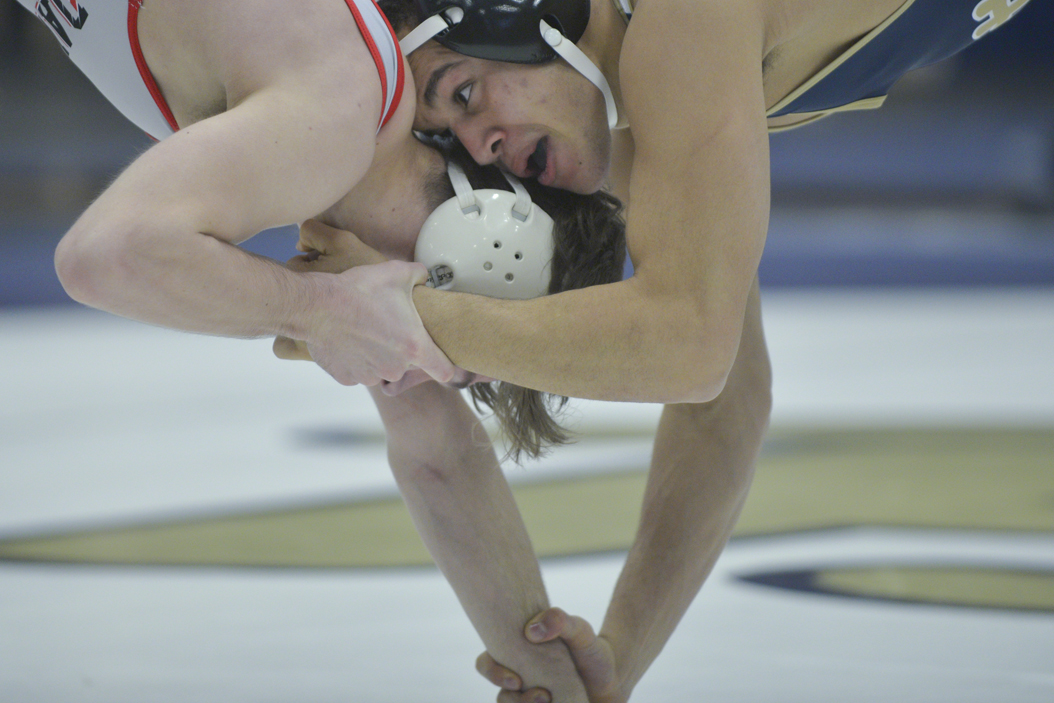 Pitt's LJ Bentley wrestles Davidson's Camden Bertucci on Saturday. Bentley won an 18-6 major decision. John Hamilton | Visual Editor