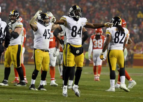 Pittsburgh Steelers wide receiver Antonio Brown celebrates the team's 18-16 win over the Kansas City Chiefs during the AFC Divisional Playoff game on Sunday, Jan. 15, 2017 at Arrowhead Stadium in Kansas City, Mo. (John Sleezer/Kansas City Star/TNS)