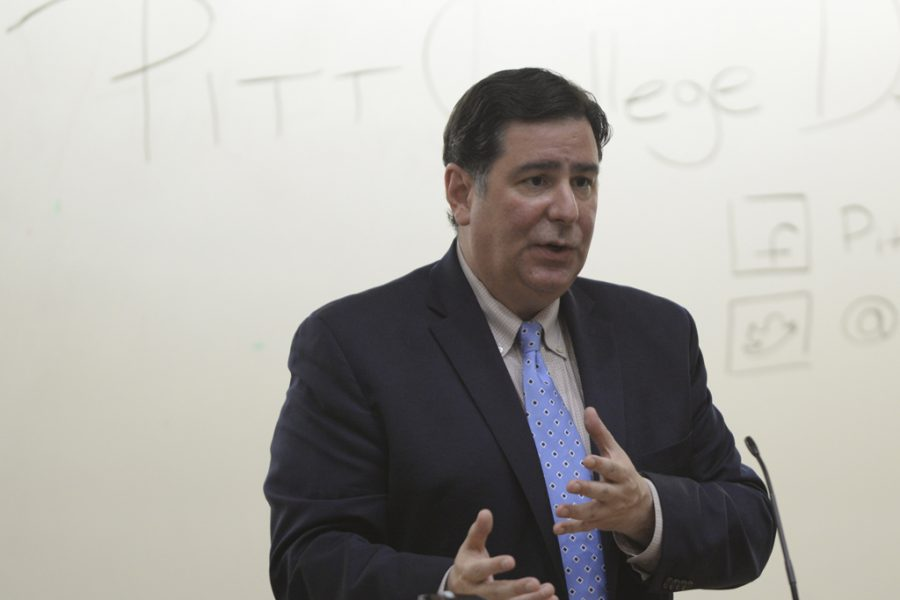 Mayor+Bill+Peduto+speaks+to+Pitt+College+Democrats+on+Sept.+9%2C+2016.+Meghan+Sunners+%7C+Asst.+Visual+Editor