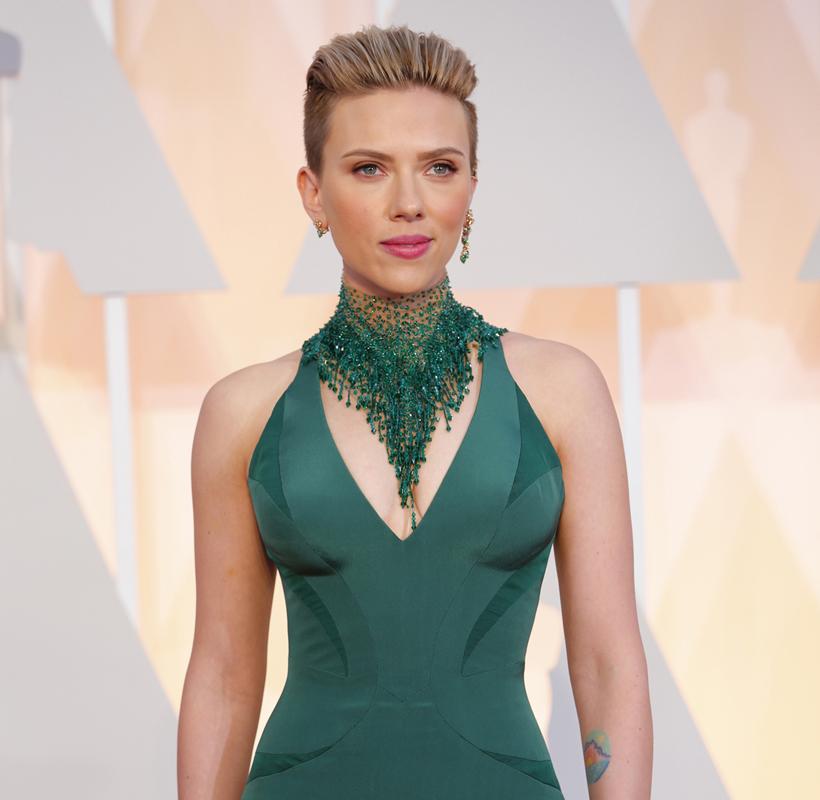 Scarlett+Johansson+at+the+Academy+Awards+in+2015.+%28Jay+L.+Clendenin%2FLos+Angeles+Times%2FTNS%29