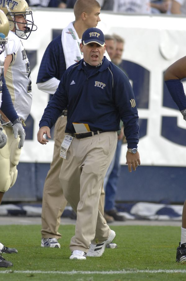 Former+Pitt+assistant+coach+Charlie+Partridge+%28pictured+in+a+game+from+2006%29+is+returning+to+the+Panthers%27+sideline+as+the+team%27s+new+defensive+line+coach.+Courtesy+of+Pitt+Athletics