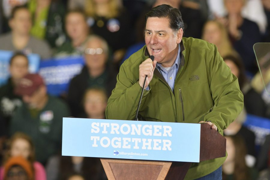 Mayor+Bill+Peduto+speaks+at+a+Clinton+rally+in+October.+Darlene+Harris+is+expected+to+challenge+Peduto+in+the+Democratic+primary.+Stephen+Caruso+%7C+Online+Visual+Editor