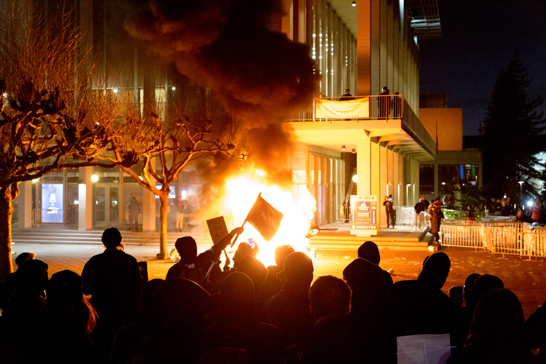 Some protesters became violent during Milo Yiannopoulos' visit to the University of California, Berkeley. Courtesty of Daniel Kim/The Daily Californian.