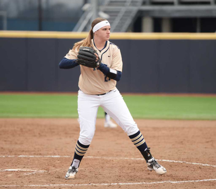 Pitt+junior+Kayla+Harris+pitched+a+perfect+game+last+Sunday+to+help+her+earn+ACC+Pitcher+of+the+Week+honors.+Matt+Hawley+%7C++Staff+Photographer