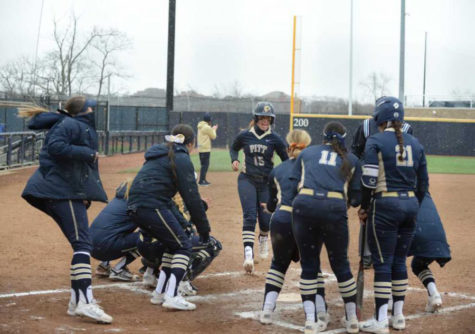 Pitt softball continues flawless season over the weekend