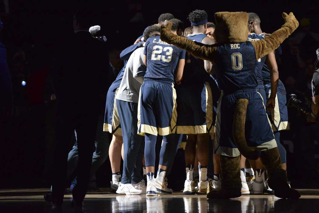 The Pitt men's basketball team huddles up before a first-round ACC Tournament game vs. Georgia Tech in Brooklyn, New York. John Hamilton | Visual Editor