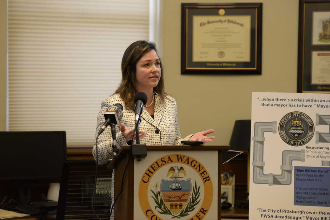 Allegheny County Controller Chelsa Wagner held a press conference Tuesday to criticize the PWSA's and the city's handling of Pittsburgh's lead issues. Stephen Caruso | Assistant Visual Editor