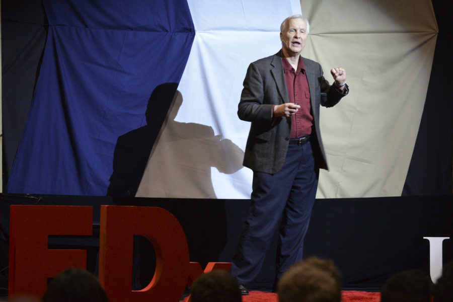 Dr.+Walter+Schneider%2C+a+professor+of+psychology+at+Pitt+and+professor+of+neurosurgery+at+UPMC%2C+illustrates+his+advanced+research+in+brain+imagining+at+TEDxUniversityofPittsburgh+Sunday.+Julia+Zhu+%7C+Staff+Photographer
