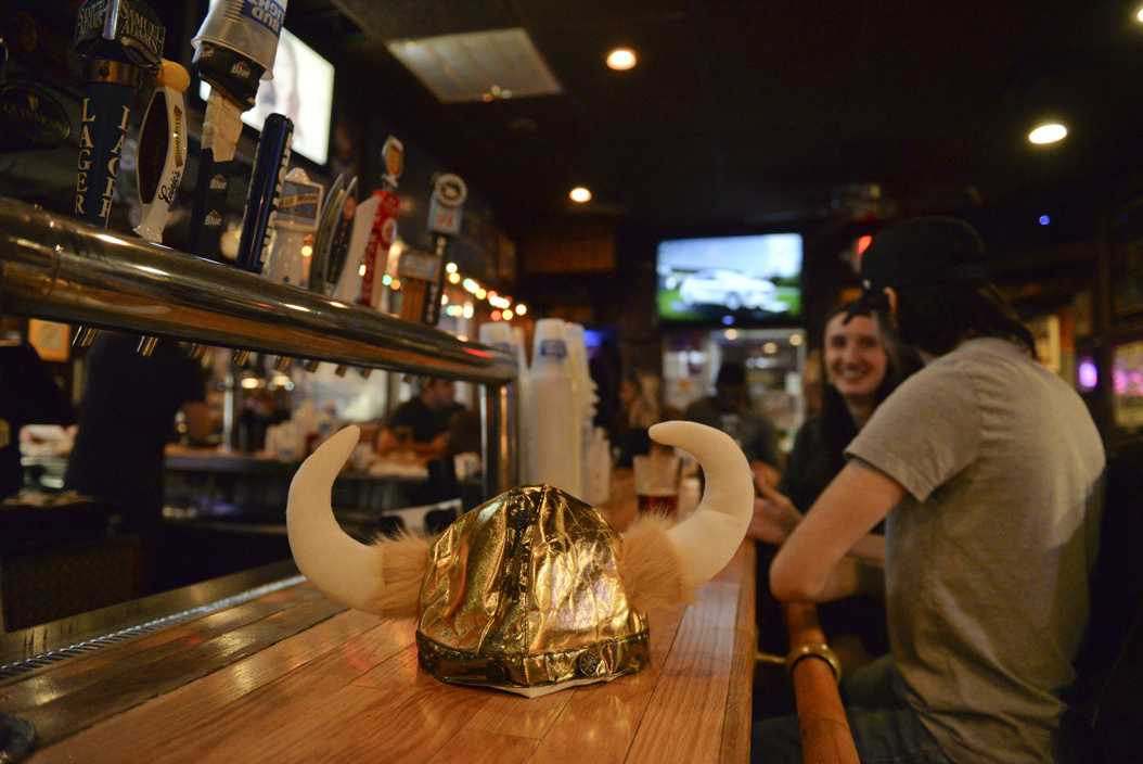 A classic Oakland tradition: Peter's Pub hands out Viking horns to students celebrating their 21st birthday. Meghan Sunners | Visual Editor