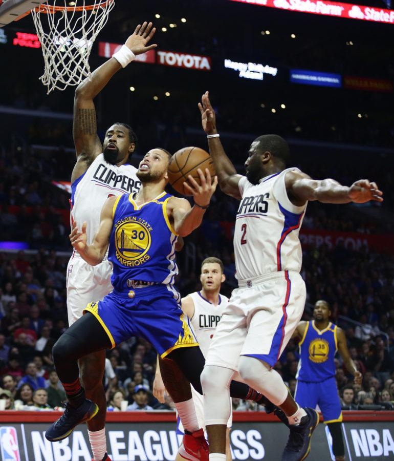 Warriors+point+guard+Stephen+Curry+is+currently+dominating+the+NBA+Playoffs%2C+averaging+28.6+points+and+5.6+assists+per+game.+%28Robert+Gauthier%2FLos+Angeles+Times%2FTNS%29