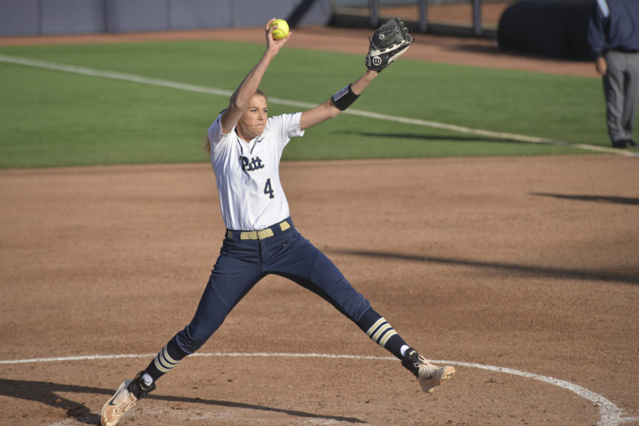 Sophomore Sarah Dawson struggled on Sunday, giving up five earned runs in Pitt's 12-2 loss. Kyleen Considine | Visual Editor