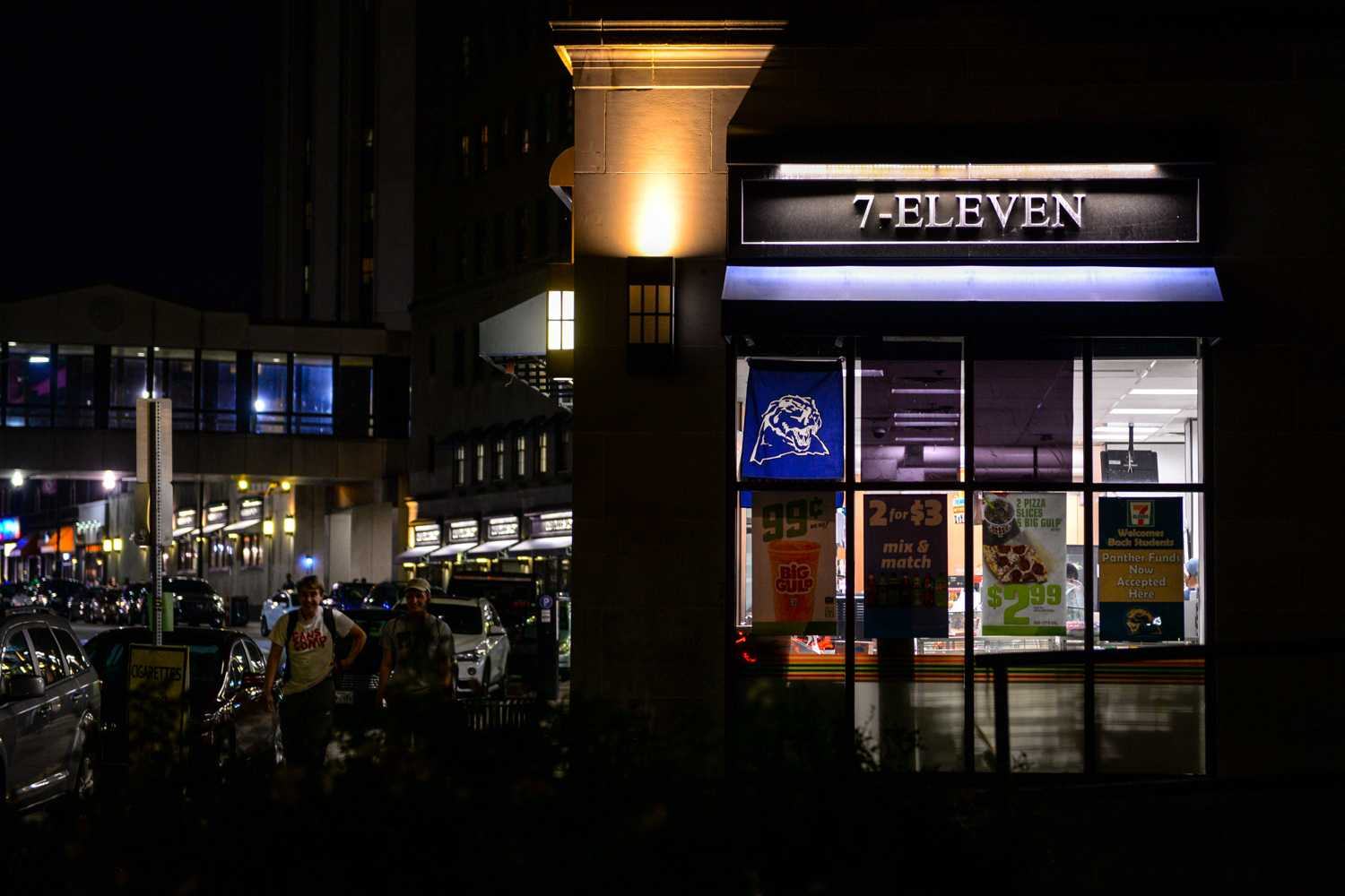 7-Eleven on Forbes Avenue will close to make room for a new Pitt-owned grocery store. (Photo by Wenhao Wu   Assistant Visual Editor)