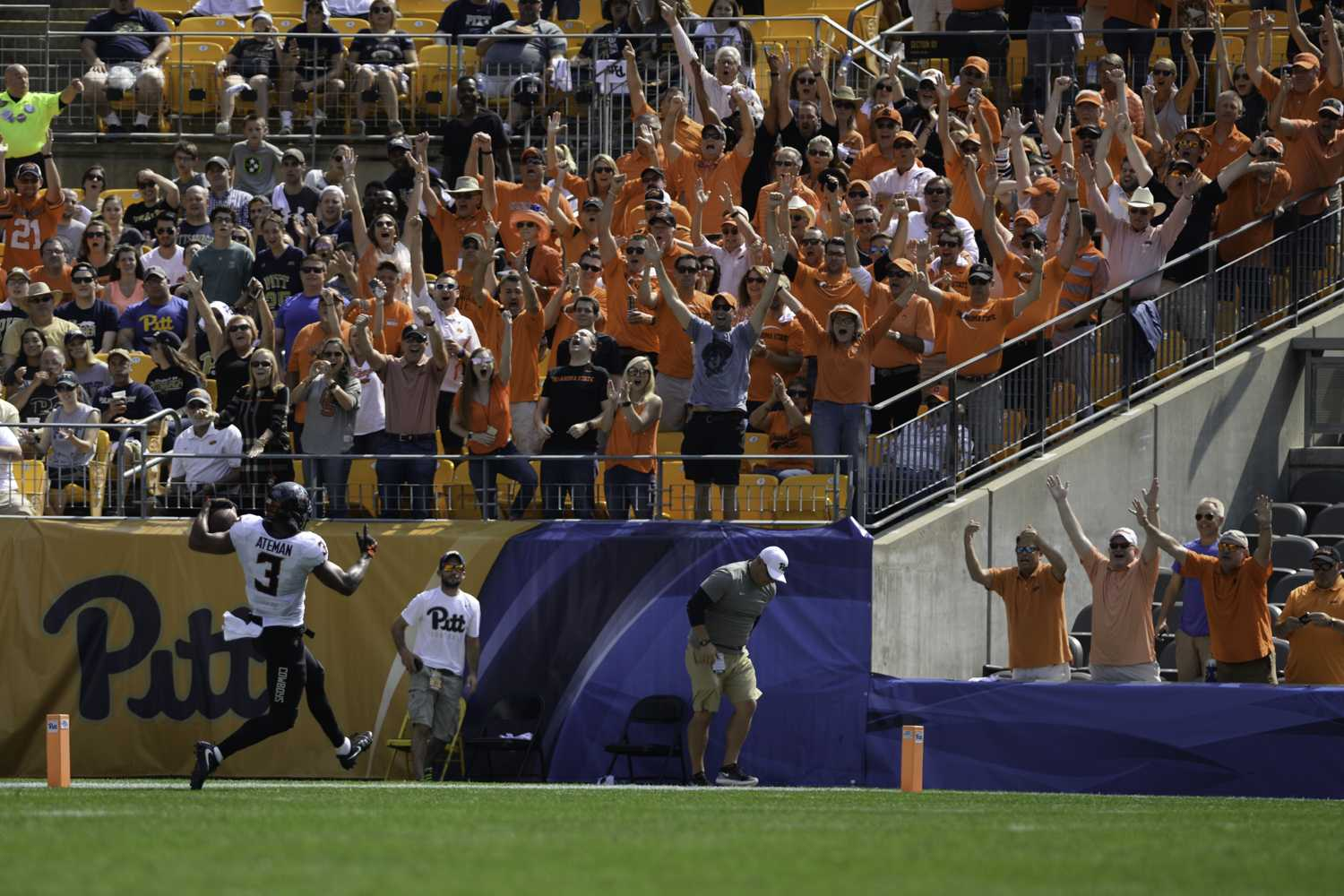 OSU fans cheer as receiver Marcell Ateman scores a touchdown in the first half of Pitt's 59-21 loss. (Photo by John Hamilton)