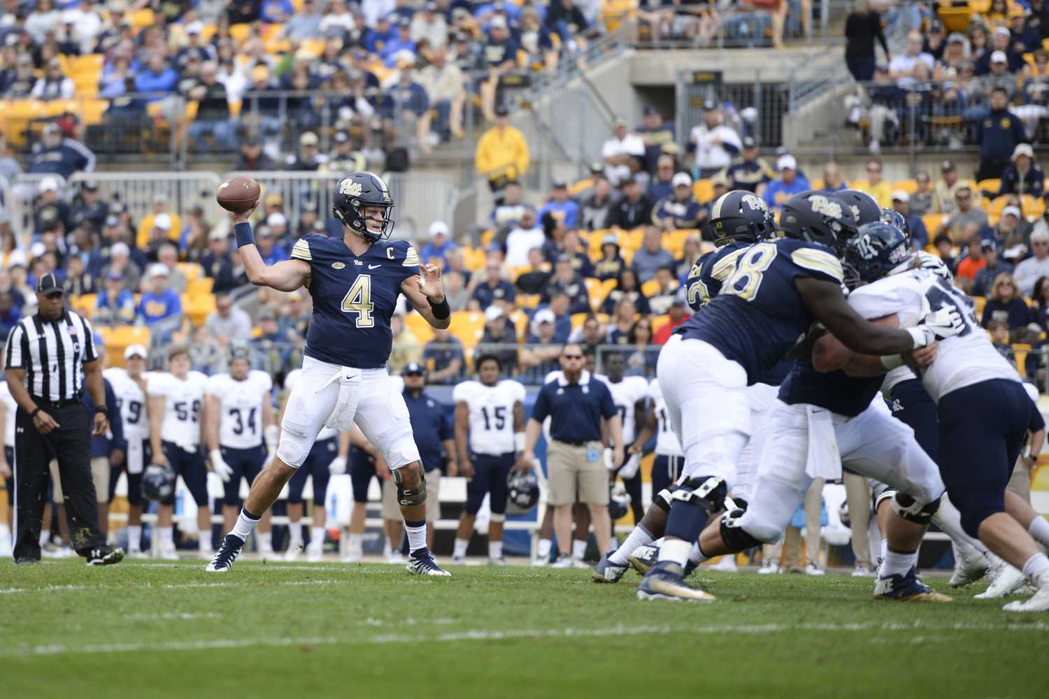 Pitt Panthers beat Rice Owls at Heinz Field Saturday afternoon with a final score of 42-10. (Photo by Thomas Yang | Staff Photographer)