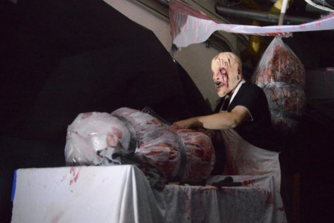 Students prepare to scare: Holland haunts with 8 spooky themes