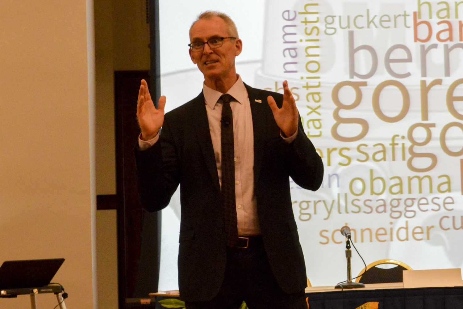 Bob Inglis, a former U.S. Representative and Executive Director of republicEn, co-led a presentation on social and political polarization. (Photo by Issi Glatts | Staff Photographer)