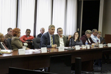Senate council focuses on funding
