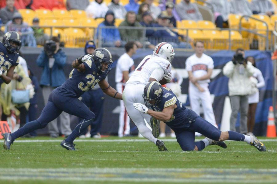 Redshirt+sophomore+linebacker+Saleem+Brightwell+helped+Pitt+to+victory+with+his+defensive+performance.+%28Photo+Thomas+Yang+%7C+Senior+Staff+Photographer%29