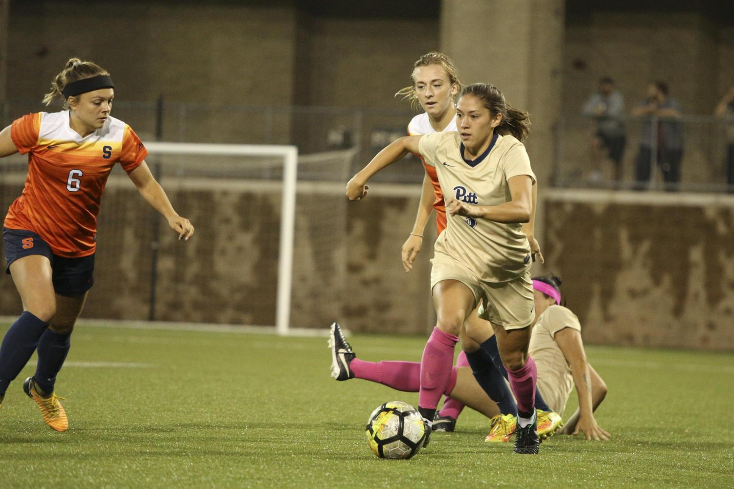 Junior defender Sarah Krause shot three times in the second half, but all attempts were saved by Syracuse. (Photo by Thomas Yang | Staff Photographer)