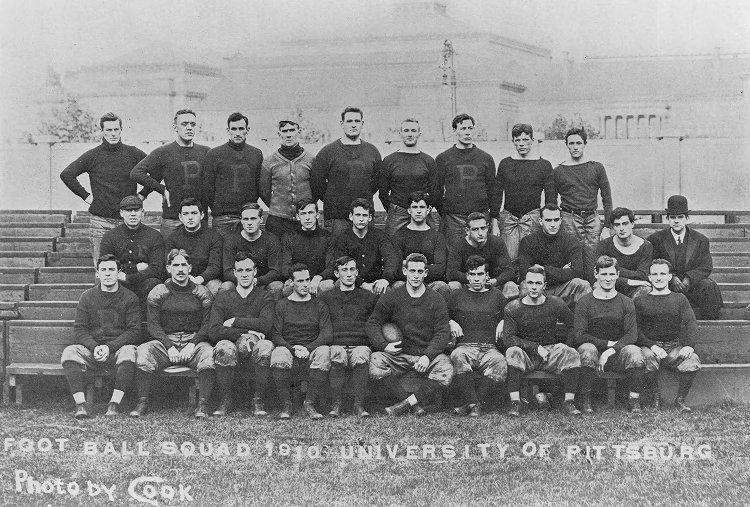 The+University+of+Pittsburgh+Football+Team+was+undefeated+during+their+1917+season.+%28Photo+via+ULS+Archives%29%0A