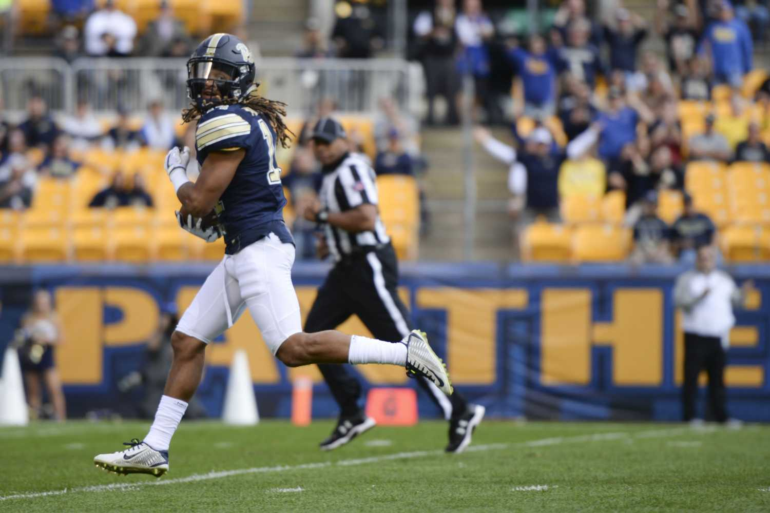 Pitt football lost to Syracuse on Saturday with a final score of 27-24. (Photo by Thomas Yang | Staff Photographer)