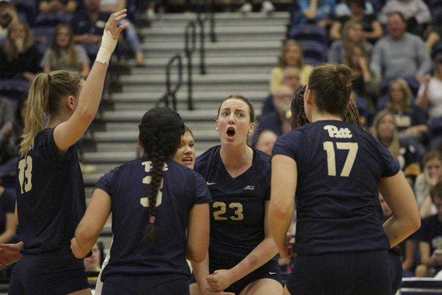 Pitt+women%E2%80%99s+volleyball+team+is+tied+with+NC+State+for+No.+1+in+the+conference+after+their+first+ACC+loss+to+NC+State+Sunday.+%28Photo+by+Thomas+Yang+%7C+Senior+Staff+Photographer%29%0A
