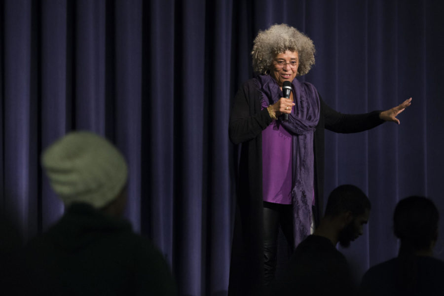 Activist+and+author+Angela+Davis+answers+students%E2%80%99+questions+after+speaking+to+several+hundred+people+in+Alumni+Hall+Thursday+night.+%28Photo+by+John+Hamilton+%7C+Managing+Editor%29