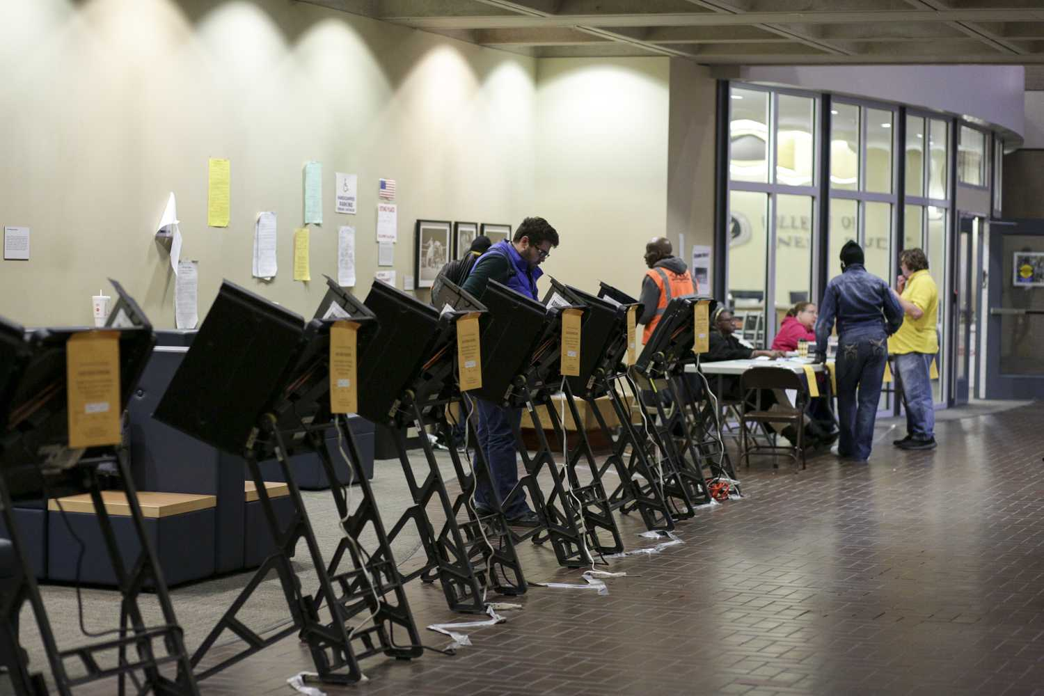 Students and community members voted in Posvar Hall Tuesday. About 80 people cast their vote at the polling station. (Photo by Thomas Yang | Senior Staff Photographer)