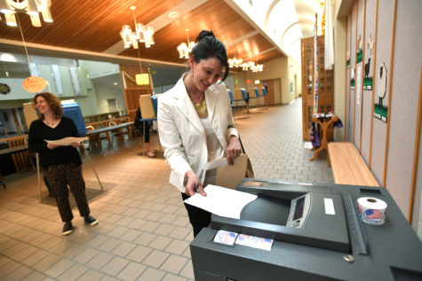 Becky Cunningham casts her ballot at Good Shepherd Catholic Church in State College, Pa., April 26, 2016. (Nabil K. Mark/Centre Daily Times/TNS)