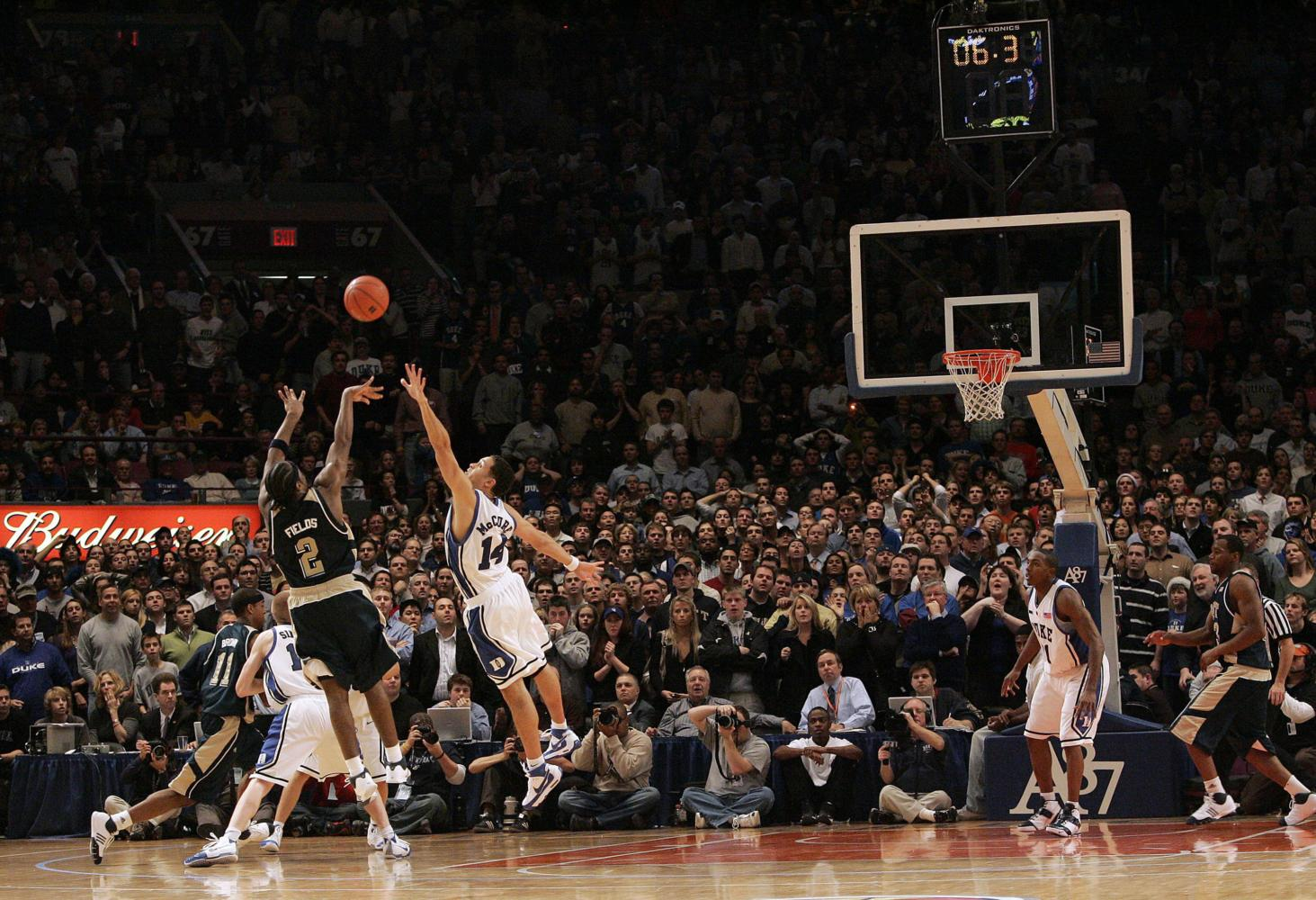 Pitt's Levance Fields (2) shoots the game-winning three with six seconds remaining in overtime. Pitt defeated Duke, 65-64, at Madison Square Garden in New York City, Thursday, December 20, 2007. (Ted Richardson/Raleigh News & Observer/MCT)