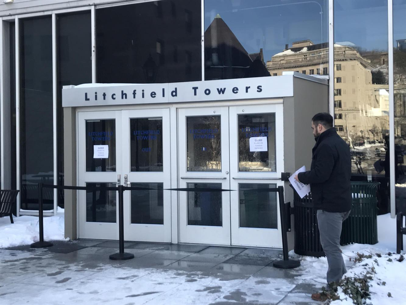 After a coil thawed at the Fifth Avenue entrance to the Litchfield Towers lobby, workers closed off the entrance. (Photo by Janine Faust / Assistant News Editor)