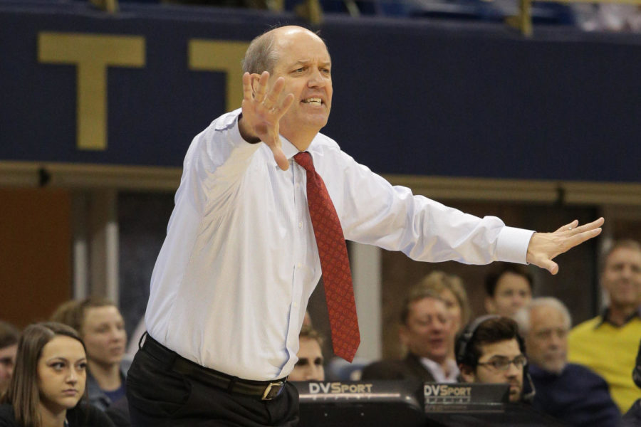 Men%E2%80%99s+basketball+head+coach+Kevin+Stallings+was+criticized+by+the+media+and+fans+for+yelling+back+at+a+Louisville+fan+during+Pitt%E2%80%99s+77-51+loss+to+the+Cardinals.+%28Photo+by+Thomas+Yang+%7C+Visual+Editor%29