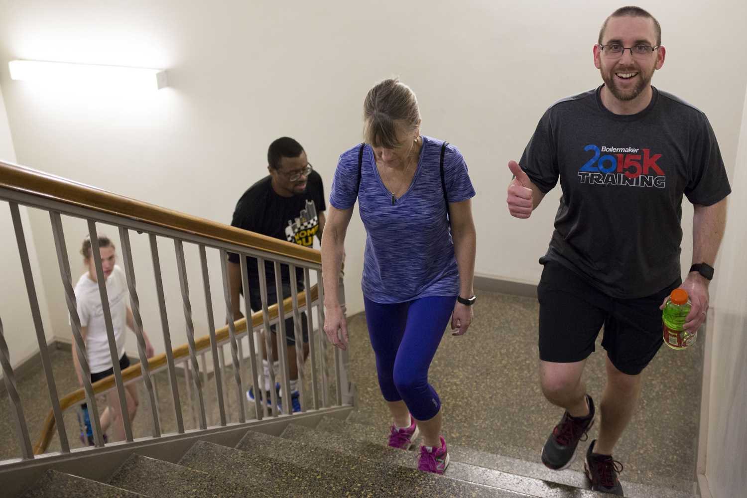 Participants of the 2018 Run to Cure CF fundraiser, sponsored by the Cystic Fibrosis Foundation, trekked from the basement of the Cathedral of Learning to the 36th floor to raise money and awareness for cystic fibrosis research last Thursday. (Photo by Thomas Yang | Visual Editor)