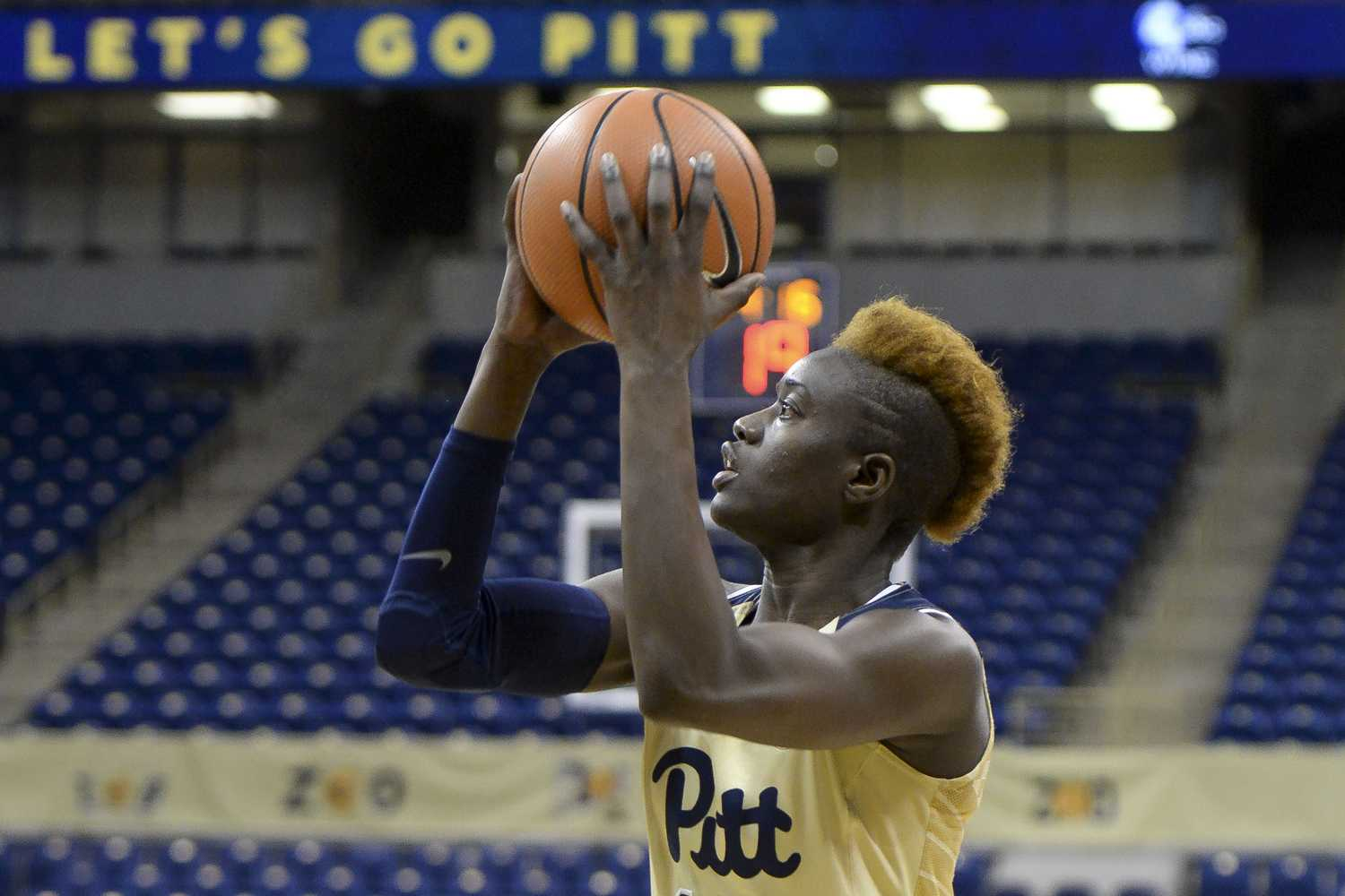 Yacine Diop (12), redshirt junior and forward for Pitt's women's basketball team, scored 16 points in Monday night's 62-53 loss to Syracuse at home. (Photo by Thomas Yang | Visual Editor)