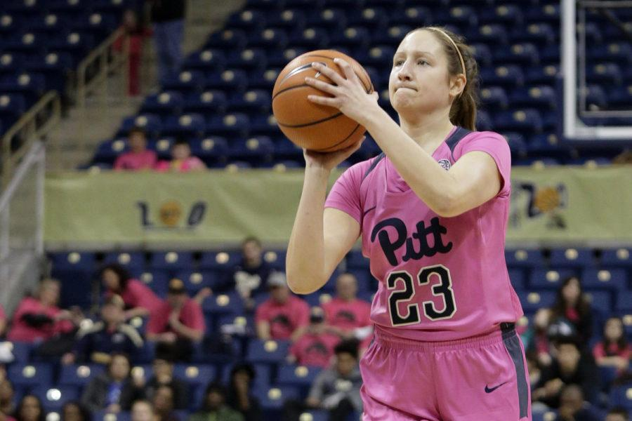Sophomore guard Alayna Gribble (23) scored 23 points at Pitt's 82-58 loss to Miami Thursday night. (Photo by | Thomas Yang)
