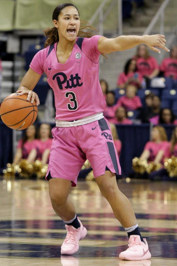 Sophomore+guard+Jasmine+Whitney+%283%29+scored+14+points+against+Clemson+during+Pitt%E2%80%99s+58-42+victory+Thursday+night.+%28Photo+by+Thomas+Yang+%7C+Visual+Editor%29