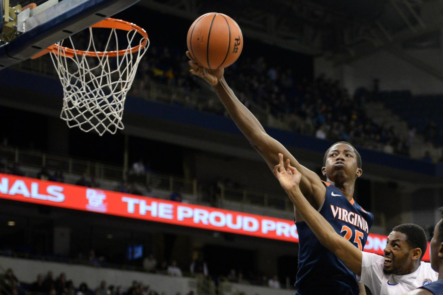 Pitt basketball scores just 7 points in first half vs. Virginia