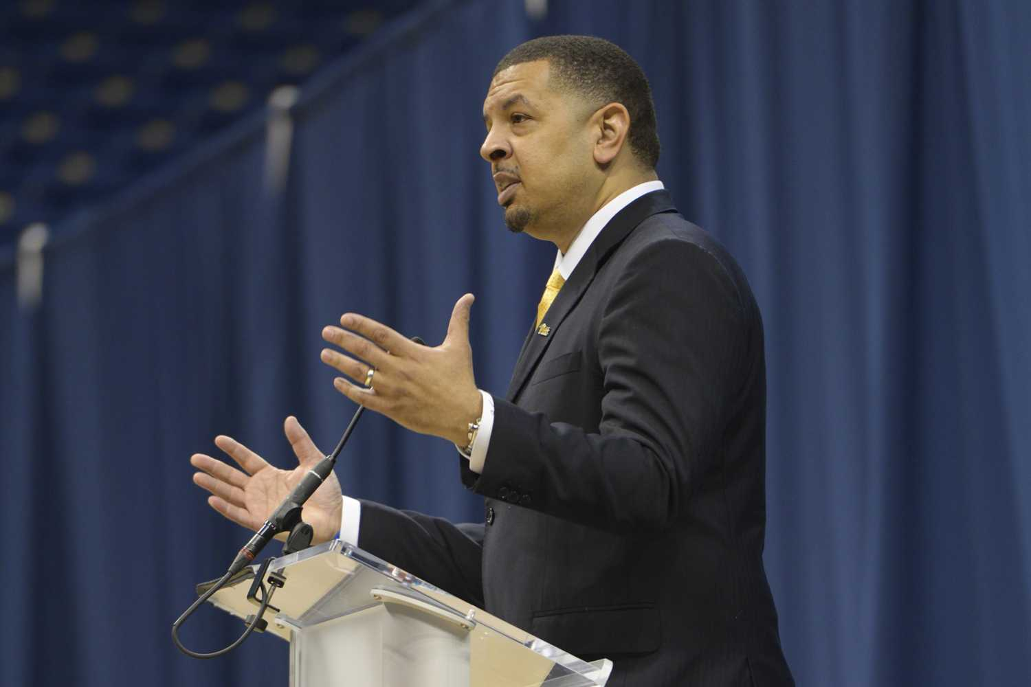 Pitt's new men's basketball head coach, Jeff Capel, speaks at the Petersen Events Center Wednesday afternoon. (Photo by Mackenzie Rodrigues | Contributing Editor)