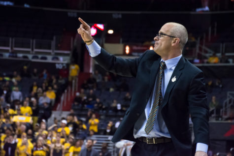 Column: Don't cry for Dan Hurley