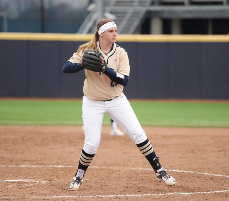 Senior+pitcher+Kayla+Harris+threw+three+shutout+innings+of+relief+during+Sunday%E2%80%99s+10-2+victory+over+North+Carolina.+%28Photo+by+Matt+Hawley+%7C+Staff+Photographer%29%0A