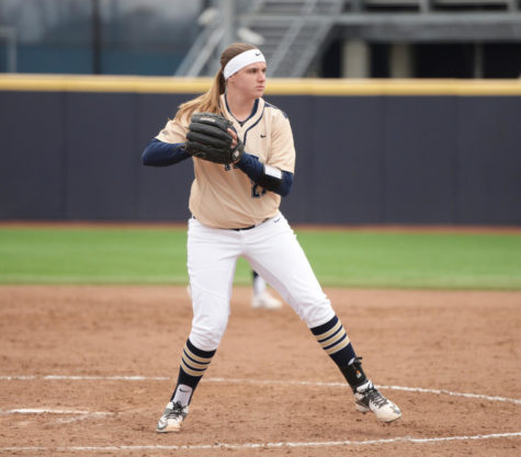 Softball falls to Ohio, 6-1